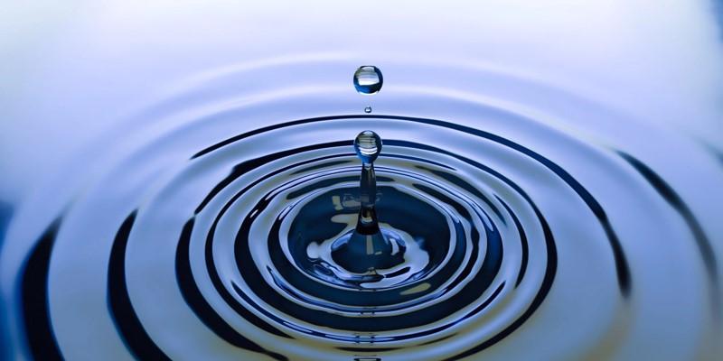 water drop in a water tank